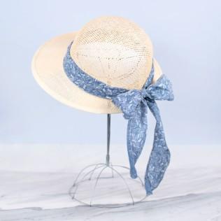 Przewiewny kapelusz z wstążką