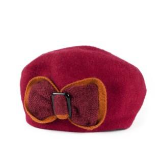 Wełniany beret i urokliwa kokarda