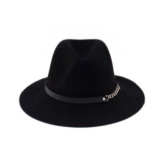 Filcowy kapelusz z łańcuszkiem